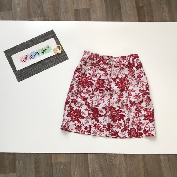 Ann Taylor Dresses & Skirts - Ann Taylor Floral Pattern Skirt Size 4 Red & White